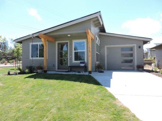 Built By Simplicity By Hayden Homes 1615 Ne Rumgay Drive Bend Oregon
