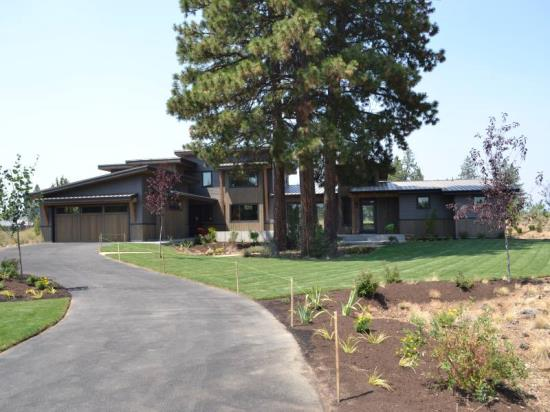 Built by timberline construction of bend 19425 randall ct for Bend oregon contractors