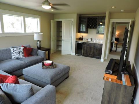 Built by pahlisch homes 63167 dakota dr bend oregon for Interior care carpet cleaning bend